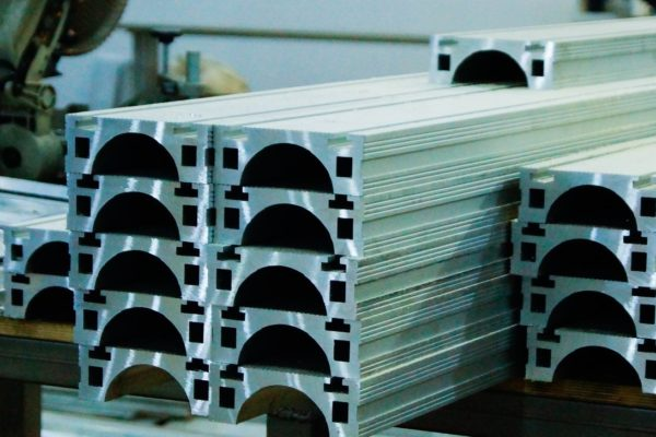 Конструкционный профиль из албминиевого сплава 1